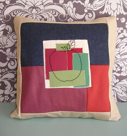 Apple_cushion
