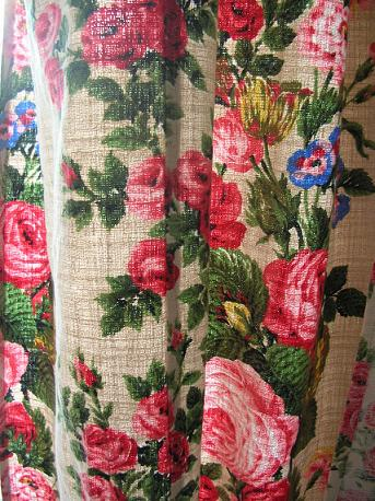 Curtains_close_up