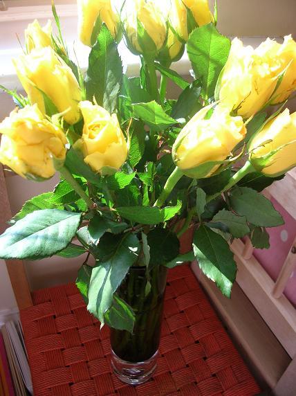 Flowers_on_stool