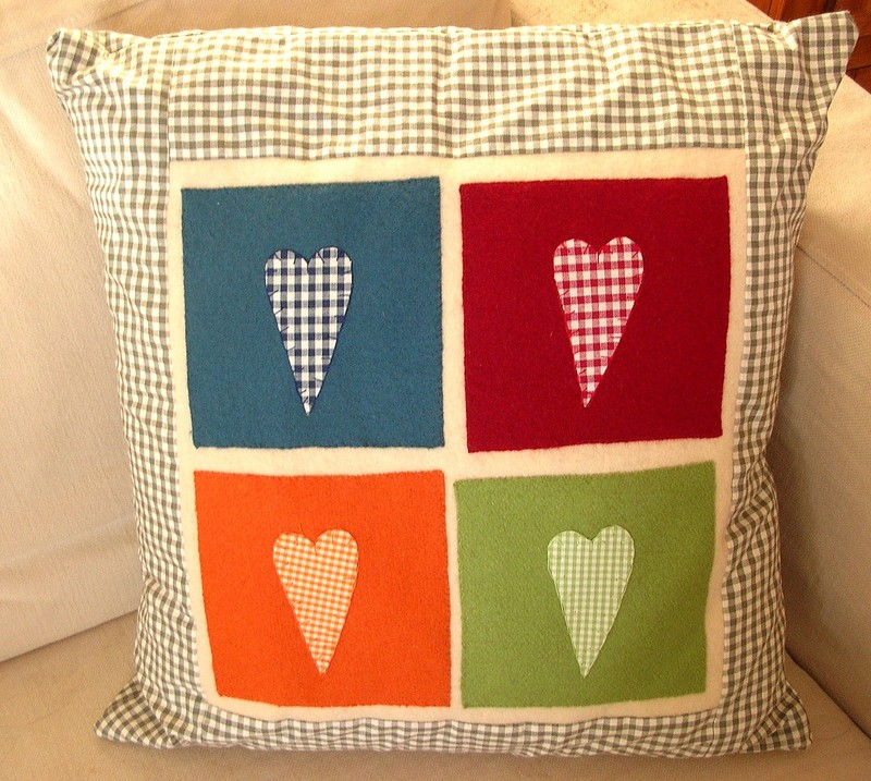 Hearts_cushion2